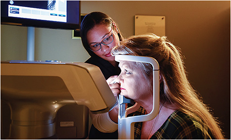 Figure 3. Highly trained technicians are a critical component of a specialty dry eye clinic. Technicians should be able to perform all diagnostic testing and describe how the tests relate to dry eye disease.